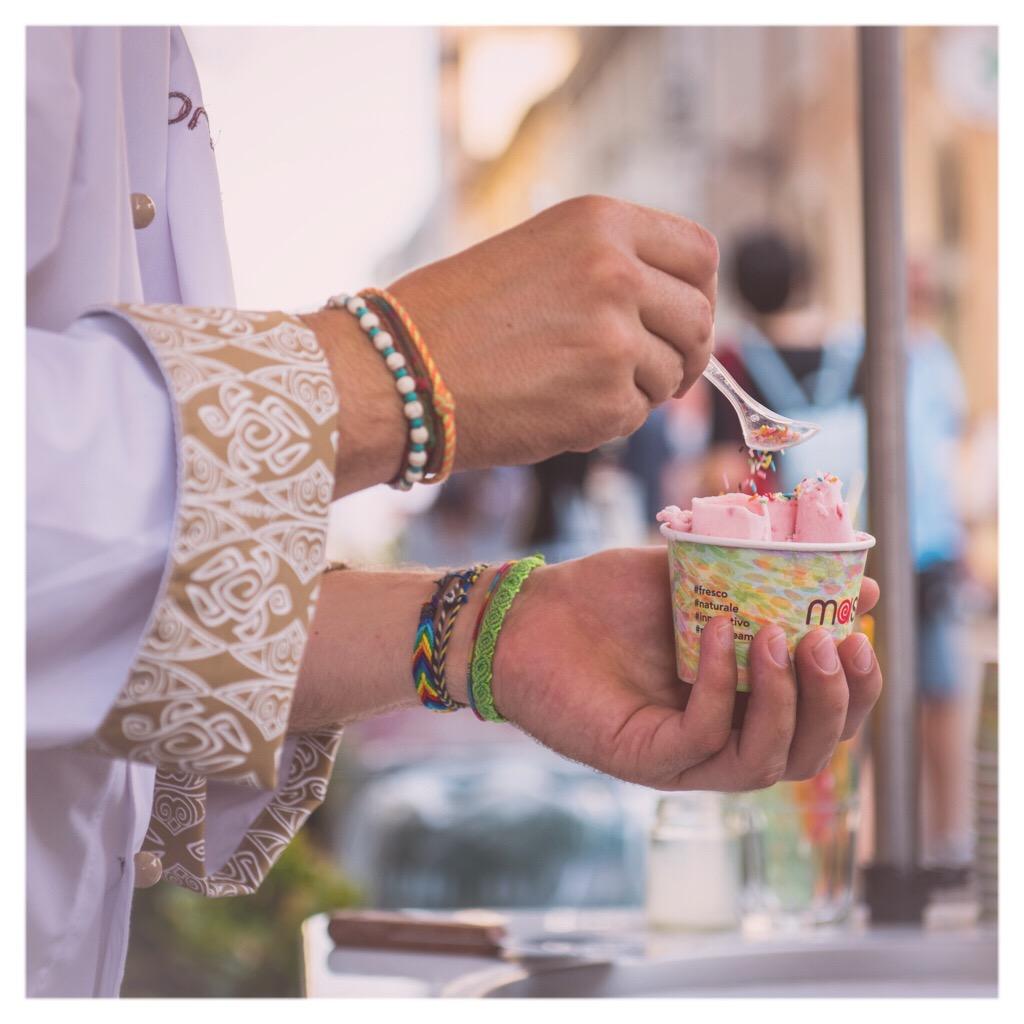 Mashcream gelato italiano in roll icecream